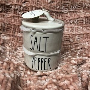Rae Dunn stackable SALT & PEPPER